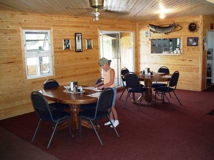 lodge-dining-room-overlooking-lake
