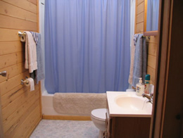 resorts-for-sale-canada-lodge-bathroom