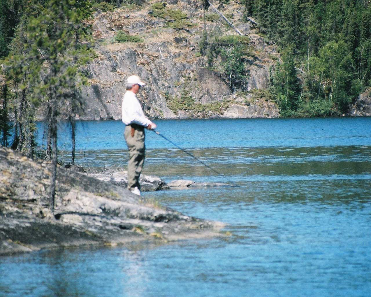 Fishing lodges for sale for Ontario canada fishing resorts